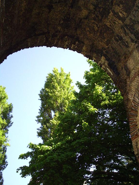 201704291014Aqueduc romain de Beaunant Ste-Foy-lès-Lyon